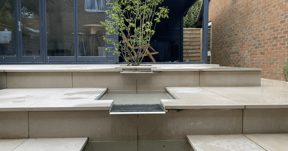 Town House Garden   Structured Growth