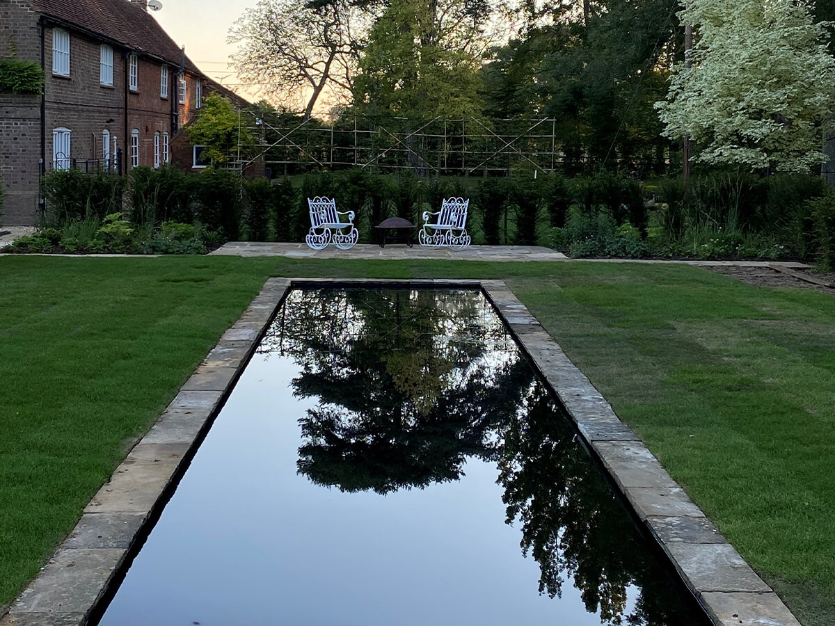 18th Century Farmhouse Garden | Structured Growth